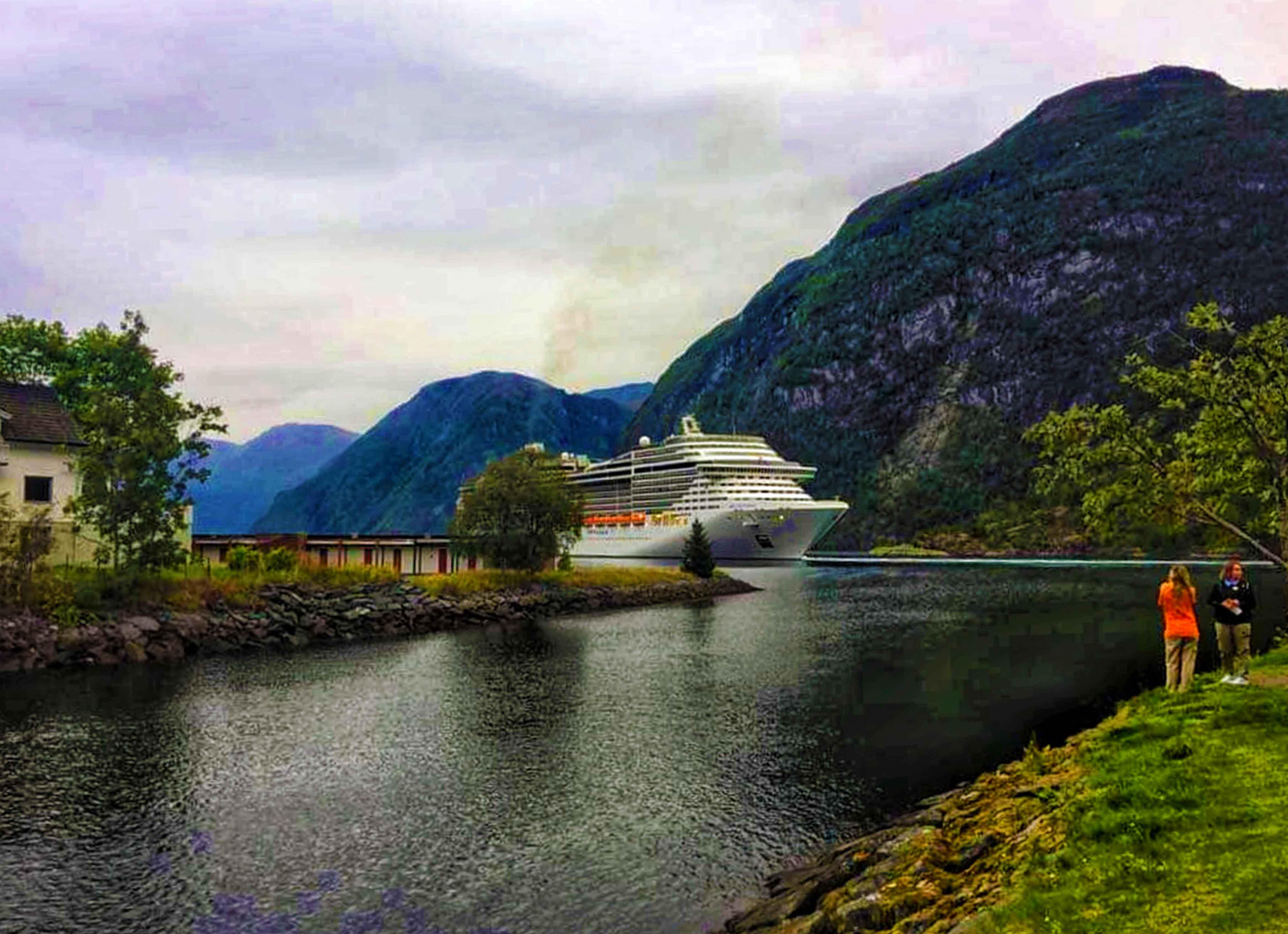 Croaziera la fiordurile Norvegiei